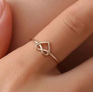 Jewelry - 5/$25 Twisted knot heart dainty ring